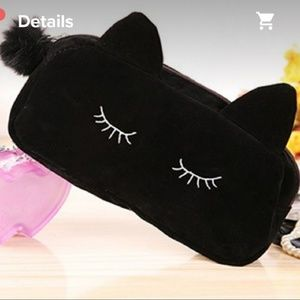 Handbags - 🆕️ NWT Small Black Sleepy Cosmetic Bag